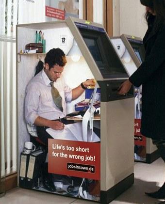 Die besten 100 Bilder in der Kategorie werbung: Werbung auf Geldautomat