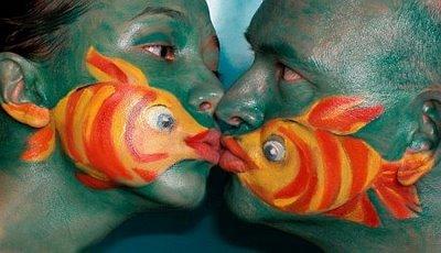 Die besten 100 Bilder in der Kategorie bodypainting: Fisch-Gesichter