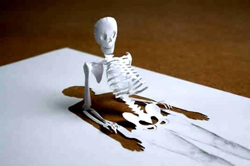 Die besten 100 Bilder in der Kategorie kunst: Papier-Schneide-Kunst - Halbes Skelett