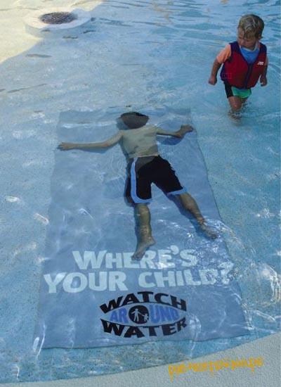 Die besten 100 Bilder in der Kategorie werbung: Where's your Child? watch around water.
