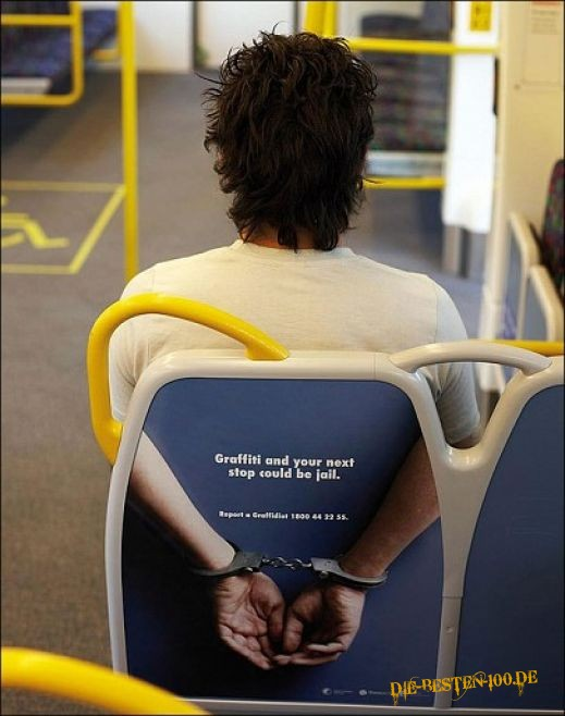Die besten 100 Bilder in der Kategorie werbung: Graffiti and your next stop could be jail.