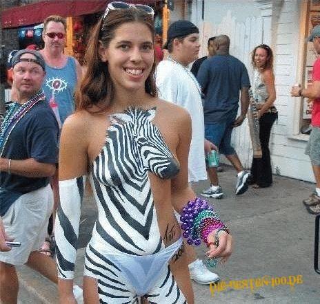 Die besten 100 Bilder in der Kategorie bodypainting: Zebra-Bodypainting