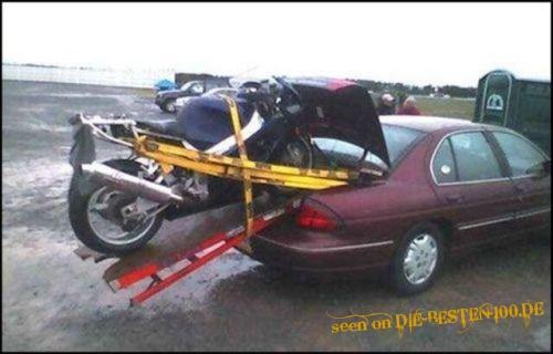 Die besten 100 Bilder in der Kategorie transport: Motorrad-Transport mit Auto