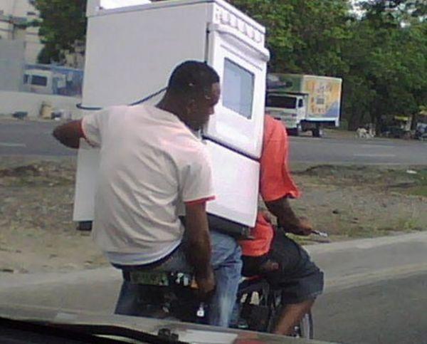 Die besten 100 Bilder in der Kategorie transport: Backofen auf Moped