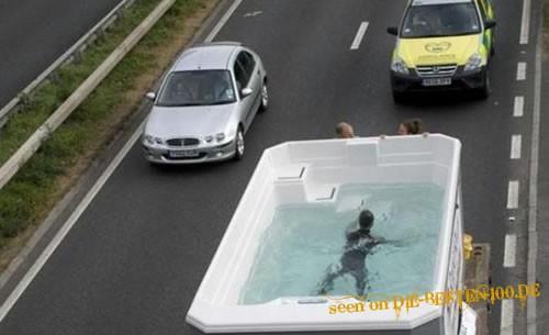 Die besten 100 Bilder in der Kategorie transport: So lässt sichs Reisen - SwimmingPool auf Reisen