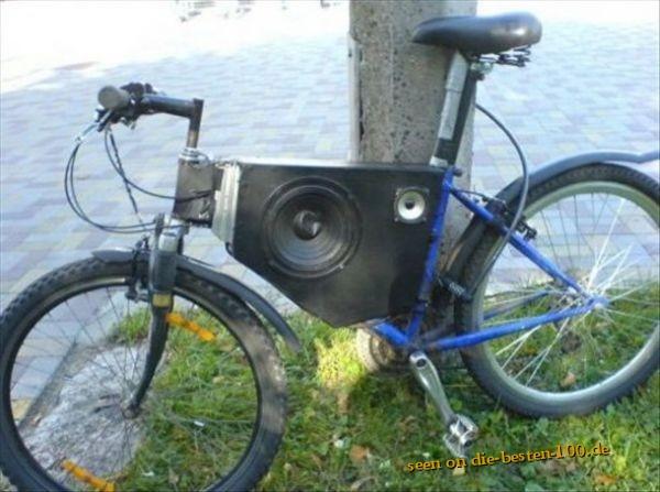 fahrraeder fahrrad mit integriertem subwoofer die. Black Bedroom Furniture Sets. Home Design Ideas