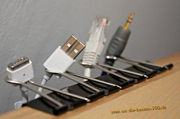 Die besten 100 Bilder in der Kategorie clever: Einfache Lösung um mit Clips Kabel aufzuräumen und bereit zu halten