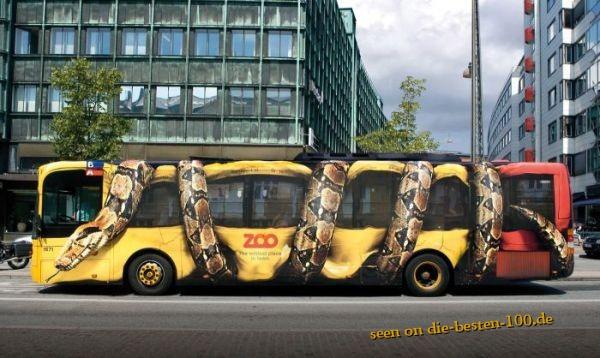 Die besten 100 Bilder in der Kategorie werbung: Anakonda  würgt Bus - Zoo Werbung
