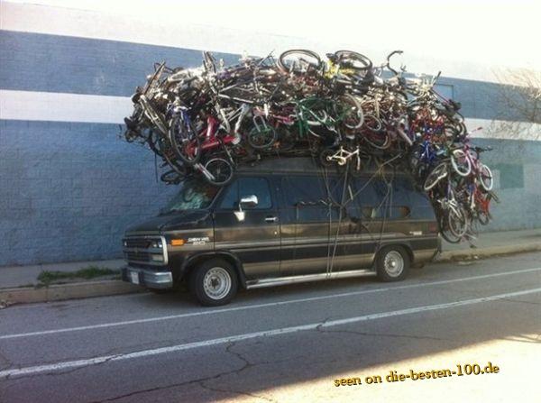 Die besten 100 Bilder in der Kategorie transport: Für jeden Insassen ein Fahrrad - Fahrräder auf Transporter