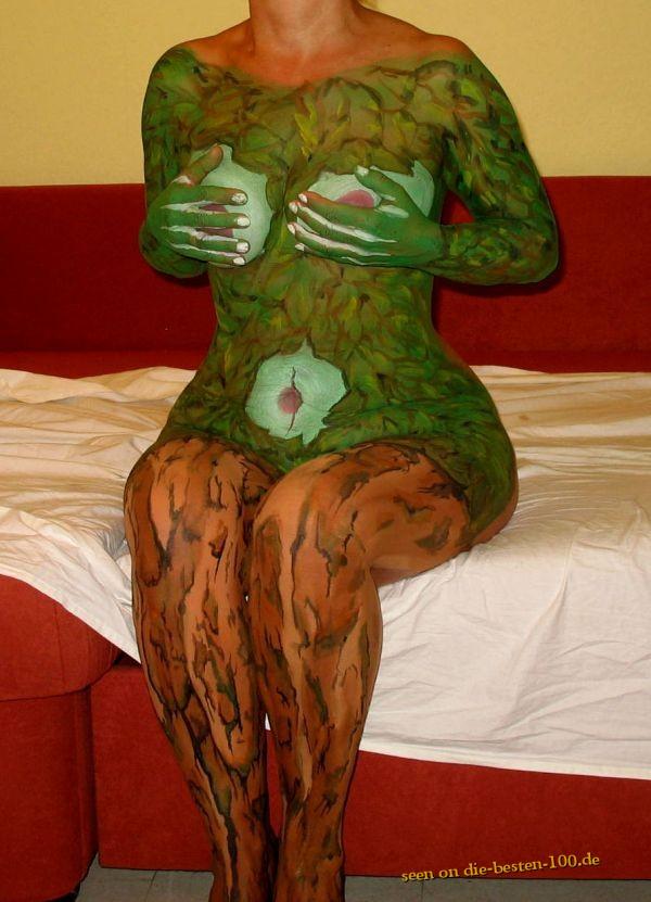 Die besten 100 Bilder in der Kategorie bodypainting: Baumwesen Wald Baum Frau Laub Körperkunst Bodypainting