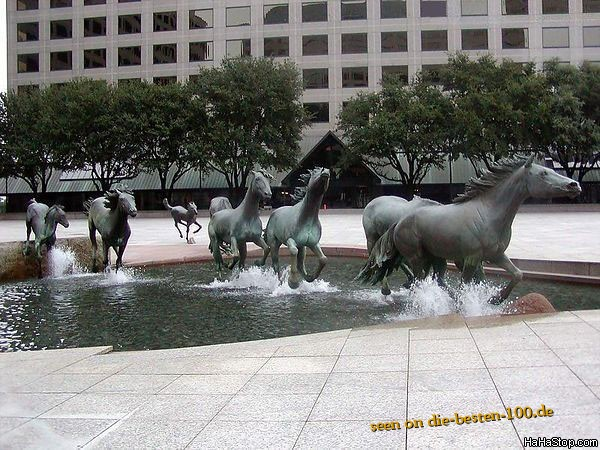 Die besten 100 Bilder in der Kategorie kunst: Rennende Pferde