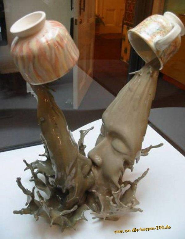 Die besten 100 Bilder in der Kategorie kunst: Kaffeetassen-ausschütten-einfrieren Kunstwerk