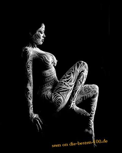 Die besten 100 Bilder in der Kategorie bodypainting: Ganzkörper Bodypainting mit Muster