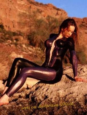 Die besten 100 Bilder in der Kategorie bodypainting: Neopren-Anzugs-Imitat Bodypainting mit heissen Kurven