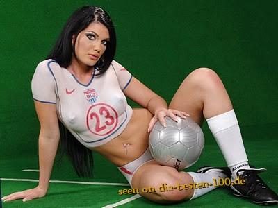 Die besten 100 Bilder in der Kategorie bodypainting: Fussball-Trikot-Bodypainting