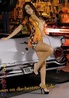 Die besten 100 Bilder in der Kategorie bodypainting: Racing Car Model Bodypainting