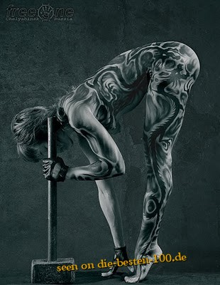 Die besten 100 Bilder in der Kategorie bodypainting: Hammer Bodypainting - Schwarz-Weiss-Muster