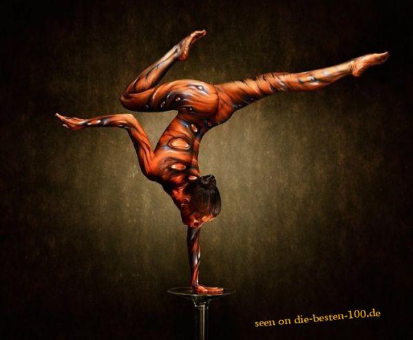 Die besten 100 Bilder in der Kategorie bodypainting: Acrobatic Fantasy Body Art - Bodypainting