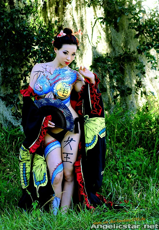 Die besten 100 Bilder in der Kategorie bodypainting: Asia Style Bodypainting