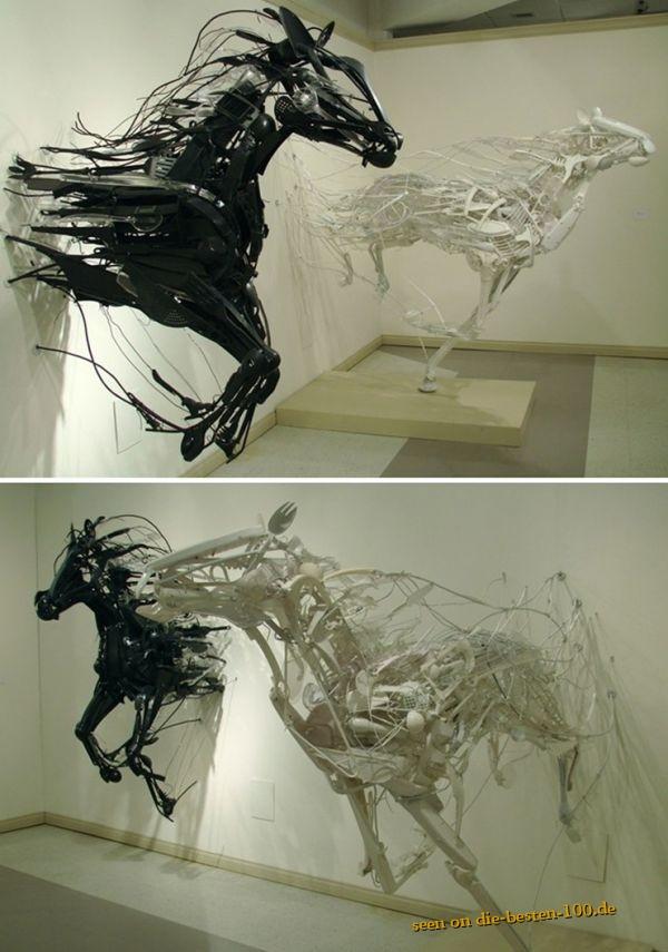 Die besten 100 Bilder in der Kategorie kunst: Pferde Kunstwerke aus Plastik