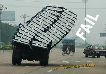 Die besten 100 Bilder in der Kategorie transport: Transport-FAIL - da läuft was schief beim Transport