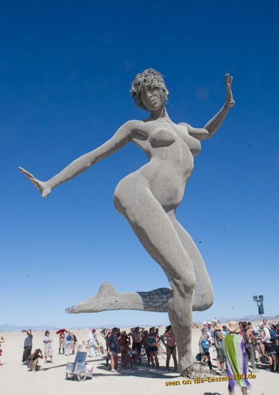 Die besten 100 Bilder in der Kategorie kunst: Big naked Women Statue