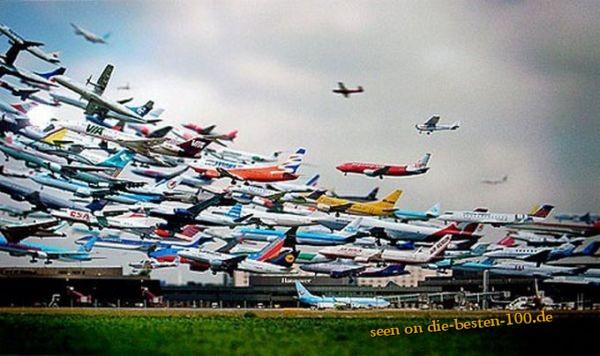 Die besten 100 Bilder in der Kategorie photoshops: Massen-Flugzeug-Start Photoshop Art