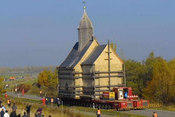 Die besten 100 Bilder in der Kategorie transport: Himmelfahrtskommando - Kirche wird versetzt