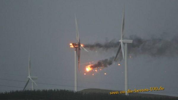 Die besten 100 Bilder in der Kategorie shit_happens: Windkraftrad brennt ab!
