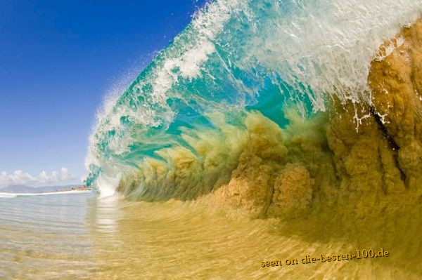 Awesome Picture - Wave at the Beach