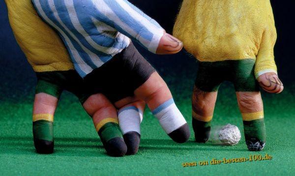Die besten 100 Bilder in der Kategorie bodypainting: Soccer Hands Painting