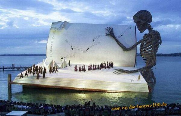 Die besten 100 Bilder in der Kategorie kunst: Seebühne des Todes
