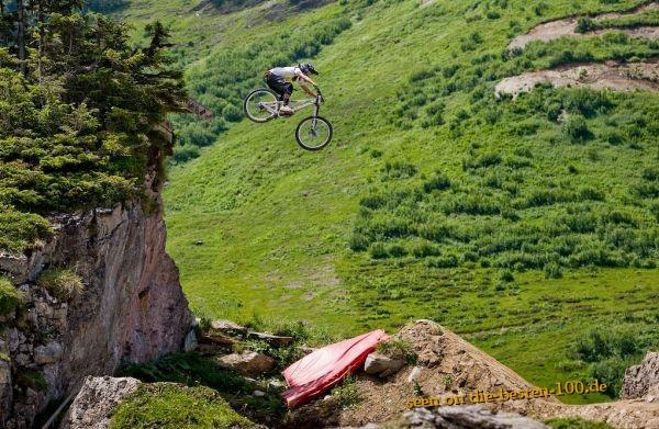 fahrraeder big mountainbike jump die besten 100 bilder. Black Bedroom Furniture Sets. Home Design Ideas