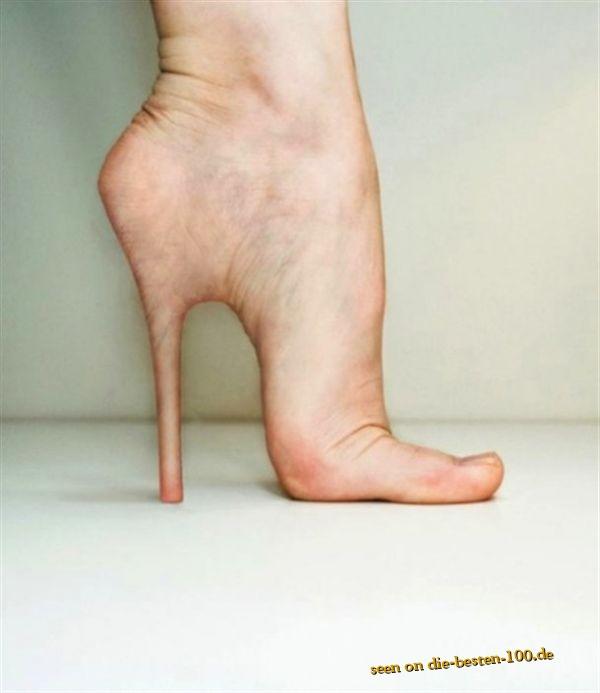 Die besten 100 Bilder in der Kategorie photoshops: High Heels sind schädlich für die Füße