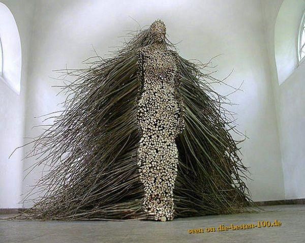 Die besten 100 Bilder in der Kategorie kunst: Skulptur aus Stöcken