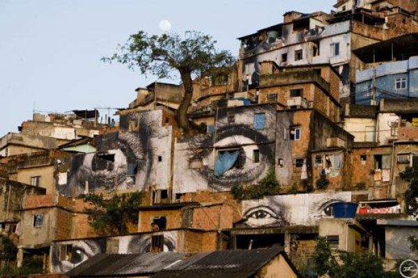 Die besten 100 Bilder in der Kategorie graffiti: Big Brother is watching you - Augen Graffiti
