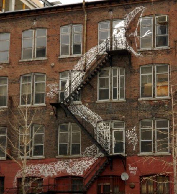 Die besten 100 Bilder in der Kategorie graffiti: Schlangen-Treppe Graffiti