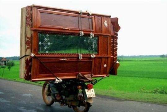 Die besten 100 Bilder in der Kategorie transport: Kleiderschrank mit Moped umziehen