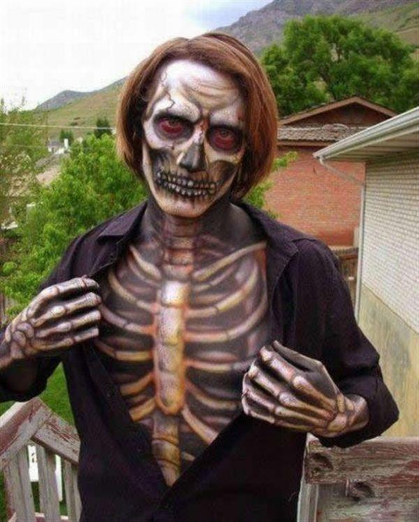 Die besten 100 Bilder in der Kategorie bodypainting: 3D Bodypainting Skelett - Tod