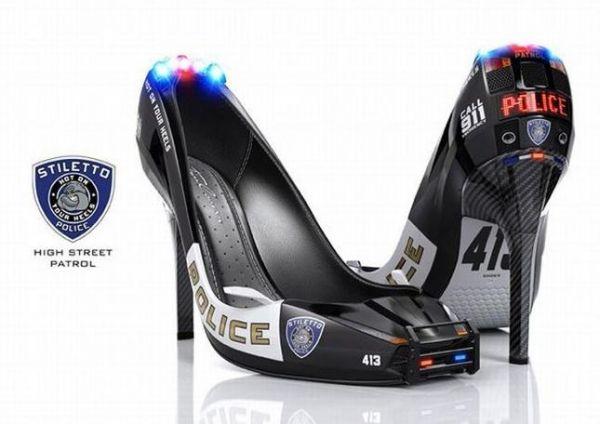 Die besten 100 Bilder in der Kategorie photoshops: Police High Street Patrol - High Tec High Heels