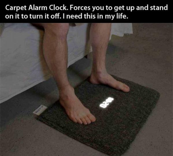Die besten 100 Bilder in der Kategorie clever: Teppich-Wecker. Zum ausschalten muss man drauf stehen . Carpet Alarm Clock. Forces you to get up and stand on it to turn it off.