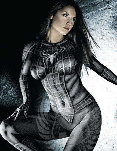 Die besten 100 Bilder in der Kategorie bodypainting: Black Spidergirl Sexy Bodypainting