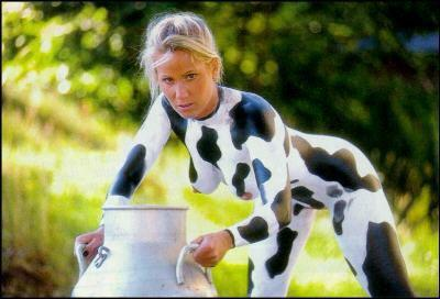 Die besten 100 Bilder in der Kategorie bodypainting: Muuhhhhh - Wer will die Kuh melken?
