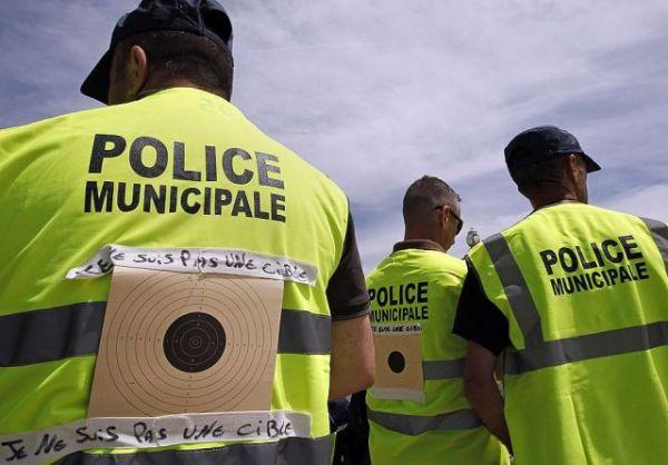 Die besten 100 Bilder in der Kategorie fail: Zielscheiben-Polizisten