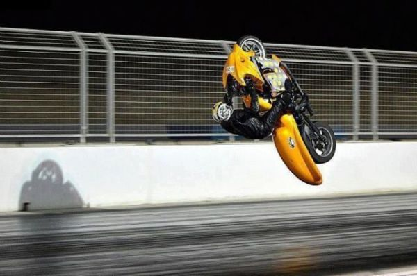 Motorbike-Backflip on straight Race Track