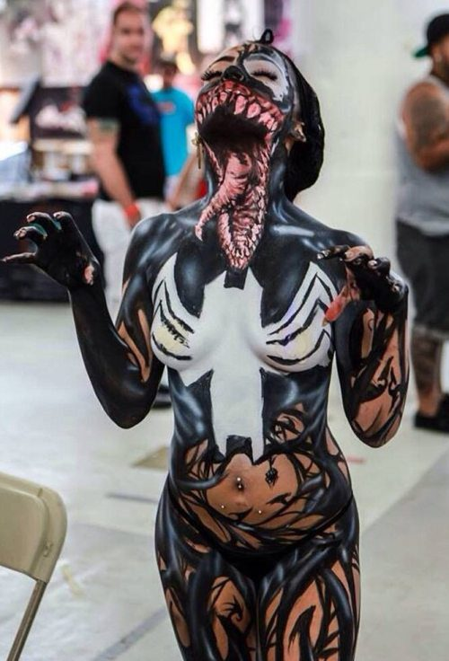 Die besten 100 Bilder in der Kategorie bodypainting: Böser Spiderman Alien Monster Bodypainting