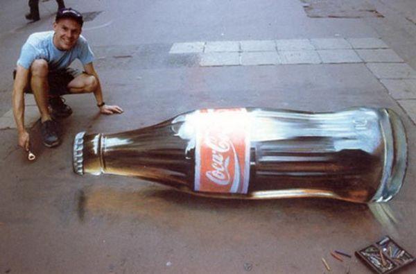 Die besten 100 Bilder in der Kategorie strassenmalerei: Cola-Flasche, Straßenmalerei