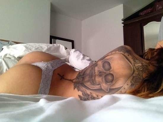 Horrortattoos Rücken Tattoo Frau Tod Totenkopf Die Besten