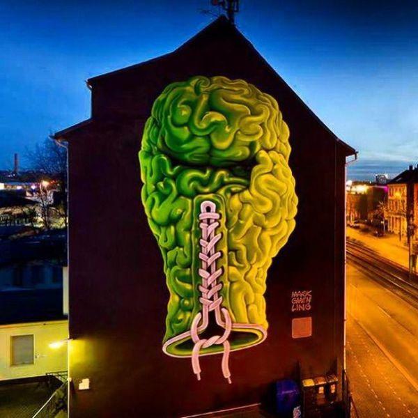 Die besten 100 Bilder in der Kategorie graffiti: Boxhandschuh, Hirn, Hauswand, 3D, Neon
