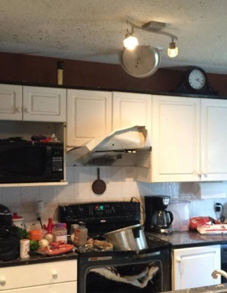 Pressure cooker, accident, explosion, kitchen, steam